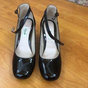 Women's Clark's Narrative Mary Janes Heels sz 6.5M